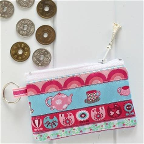 free pattern for zippered coin purse quilted coin purse pattern allfreesewing com