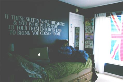 Bedroom Walls Lyrics | lyrics bedroom wall all time low so wrong it s right