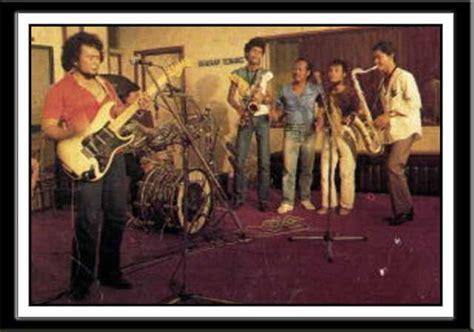 download lagu film rhoma irama satria bergitar download koleksi mp3 terlengkap lagu rhoma irama soneta