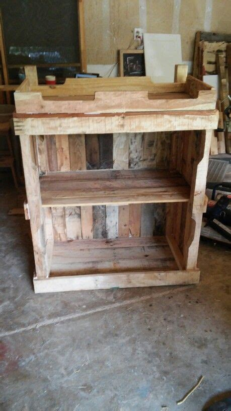 baby changing table pallets happydaddesigns pallet