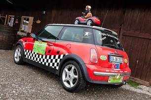 mini cooper model year 2003 participating at the rally