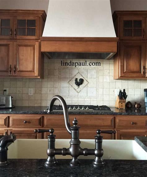 Rooster Tile Medallion French Country Kitchen Backsplash Ideas