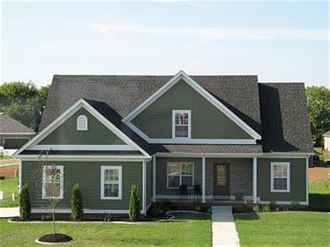 green vinyl siding houses 1000 images about houses with green siding on pinterest