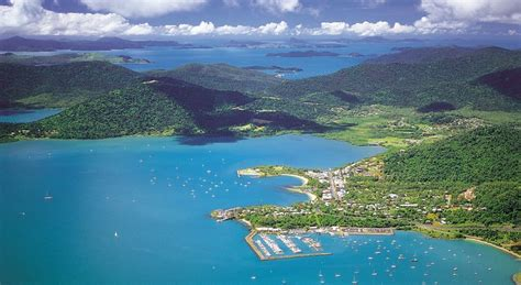 Kitchen Bars And Islands Airlie Beach Accommodation Discover Queensland