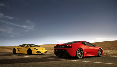 Lamborghini Vs Ferrari by Ferrari Gold Vs Lamborghini Gallardo