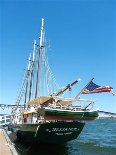 boat cruise yorktown va the sails picture of yorktown sailing charters yorktown