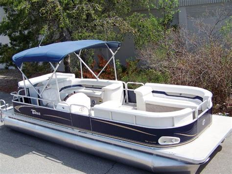 used pontoon boat with upper deck pontoon with upper deck for sale 10 photos leseh deck
