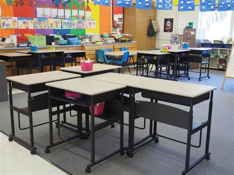 desks for college students california school children step up to standing desks nbc news