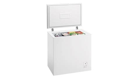 Freezer Box Es Batu chest freezer in white this chest freezer from frigidaire