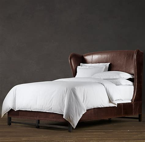 Wingback Bed With Footboard by Best 25 Leather Bed Ideas On Leather