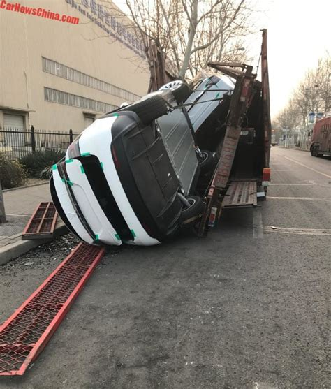 Tesla Transporter Tesla Model Xs Fall Delivery Truck In China After It