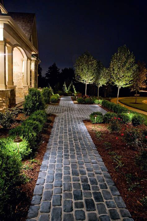 courtstone 174 walkway available at vanbeek s garden supplies