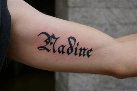 name tattoos on arm design name tattoos cool exles font recommendations designs