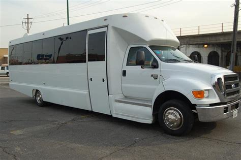 large limo large white limo chicago il