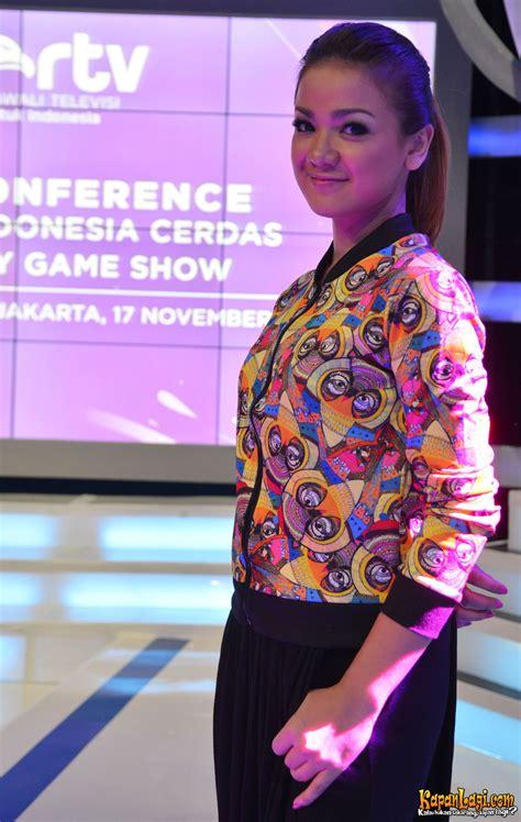 Model Rambut Nirina Zubir by Gambar Model Rambut Nirina Zubir Sobfashion