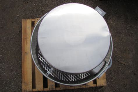 greenheck roof mounted exhaust fans greenheck 1 3 hp belt driven roof mounted exhaust fan cube