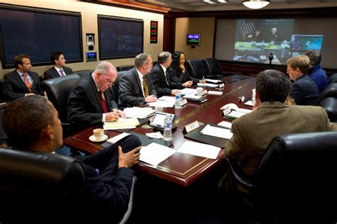 The Situation Room by Wh Pushes Pic Of Obama In Situation Room For But
