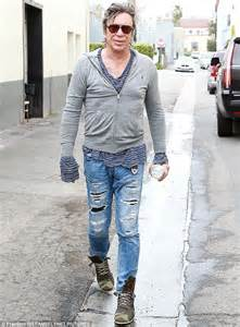 arnold schwarzenegger lunches with mickey rourke daily arnold schwarzenegger lunches with mickey rourke daily