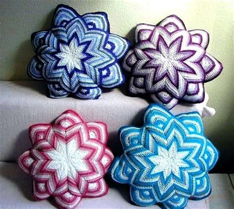 Imeldas Cushionspillows by 25 Best Ideas About Crochet Cushion Pattern On