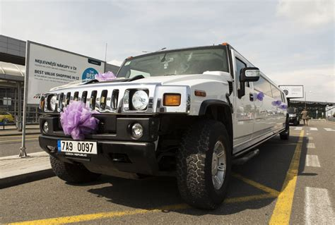 airport limo rental stretch limousine hummer h200 airport transfer