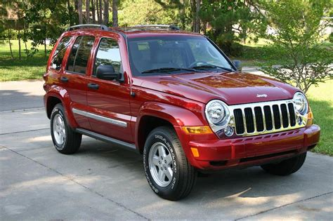 red jeep liberty 2006 jeep liberty red 200 interior and exterior images