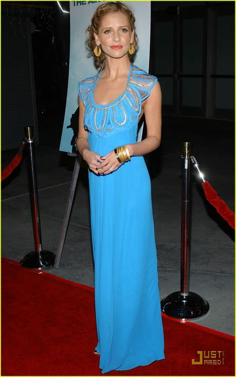 Geller In Temperley For The Premier The Air I Breathe by Gellar Is Brilliant Blue Photo 855701