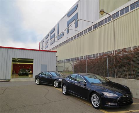 New Tesla Factory File New Teslas At The Factory Jpg Wikimedia Commons