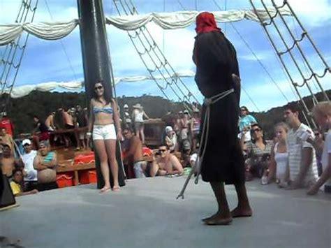 barco pirata a laranjeiras barco pirata praia de laranjeiras sc youtube