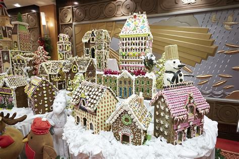 28 best extravagant christmas decorations from