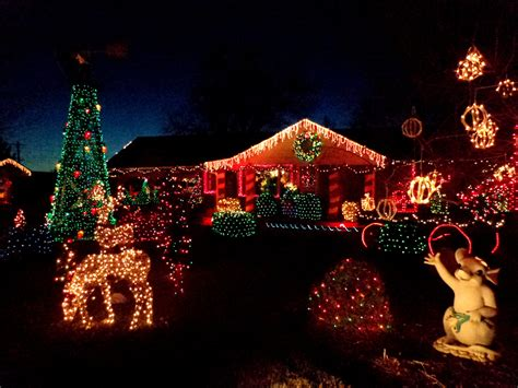 house decorated with christmas lights picture free