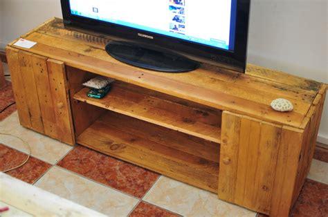 table tele en bois collection de table de t 233 l 233 avec des palettes astuces bricolage