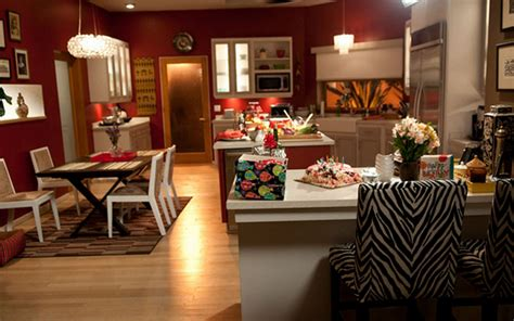 decorate your home in modern family style jay and gloria decorate your home in modern family style jay and gloria
