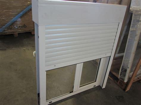 ventanas de aluminio con persianas ventana oscilobatiente con persiana de aluminio