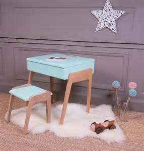 Formidable Chambre D Enfant Bleu #2: pupitre-bois-peint-bleu-vintage-bureau-chambre-enfant-sol-coco-.jpg