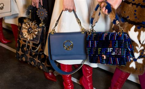 Fashion News Weekly Up Bag Bliss 20 by Fall Winter 2018 19 Key Accessories Concepts