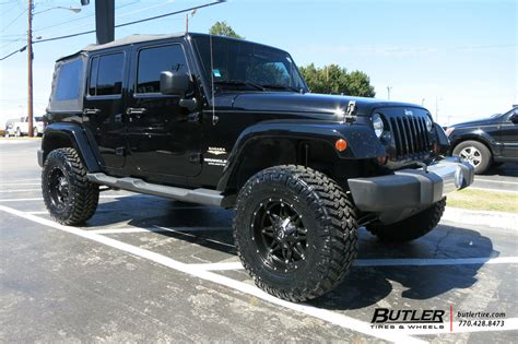 Jeep Wrangler Road Tires Jeep Wrangler With 17in Fuel Hostage Wheels Exclusively