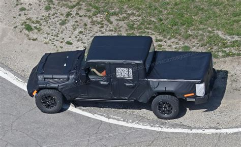 jeep wrangler truck new 2019 jeep wrangler jt pick up truck spotted by car