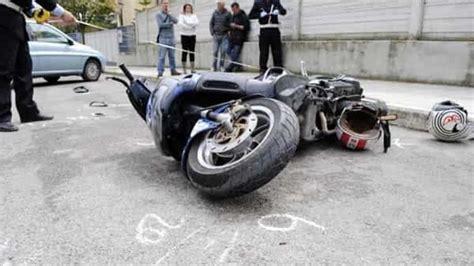 banco di napoli accedi tremendo incidente in scooter muore ex direttore banco di