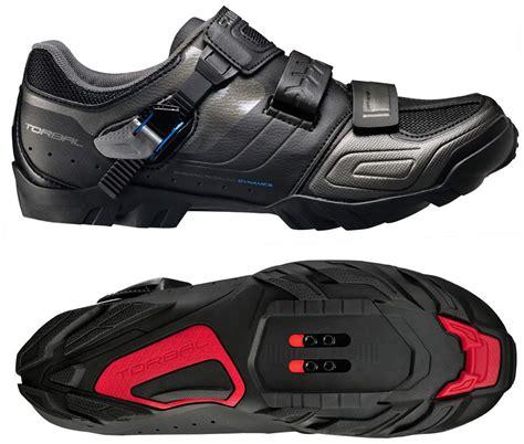 enduro mountain bike shoes shimano goes enduro w new trail shoes hydration packs