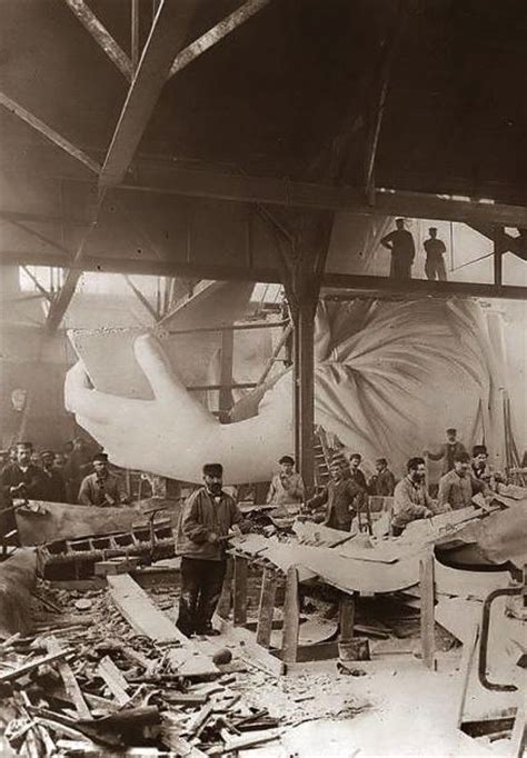 lade liberty antiche construction of the statue of liberty 1884