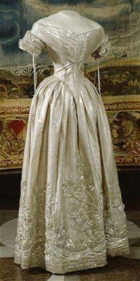 Piqee Dres 1840 wedding dress vintage fashion