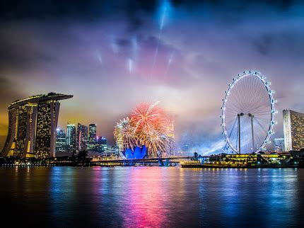 foto foto pemandangan kota singapura  malam hari