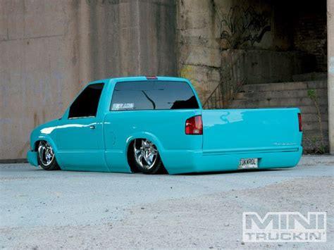 slammed s10 2000 chevy s10 custom trucks mini truckin magazine