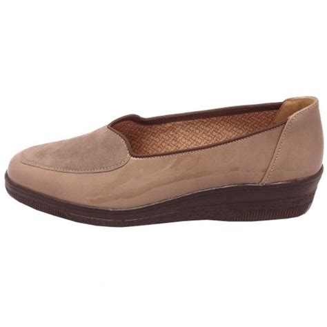 gabor comfort range gabor shoes blanche womens low wedge pump in taupe mozimo