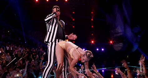 Miley Cyrus Twerk Meme - miley cyrus vma twerk photo