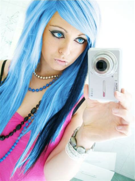 woman with short hair masterbating blue emo scene hair style sitemodel bibi barbaric from ger
