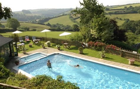Cottage Cornwall Swimming Pool by Cottages With A Swimming Pool In South West West Country