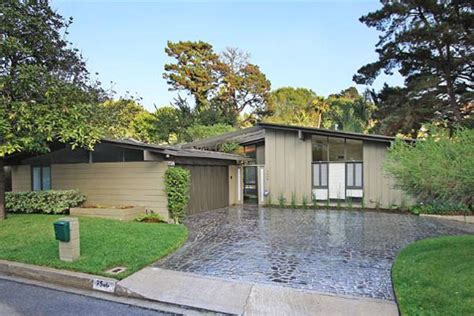 a small mid century modern house in hollywood richard mid century modern hollywood hills rental real estate