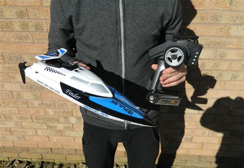 Racing Boat Radio Tiger Shark tiger shark ready to run electric speed racing boat 2 4ghz white with self righting howes