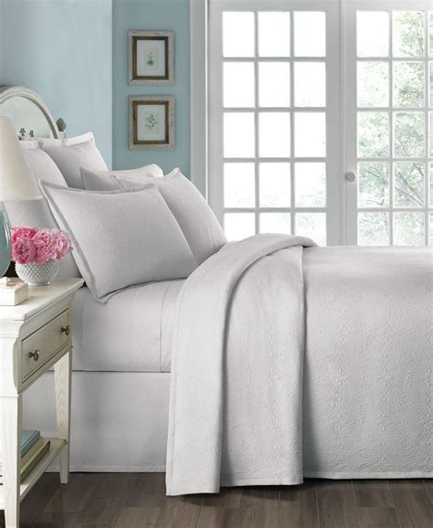 martha stewart matelasse coverlet martha stewart collection athens medallion king matelasse